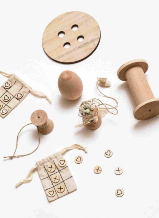 Ξύλινα διακοσμητικά και παιχνίδια