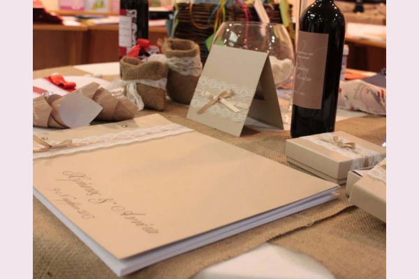 βιβλίο ευχών με δαντέλα διακόσμηση σετ προσκλητήριο & μπομπονιέρα