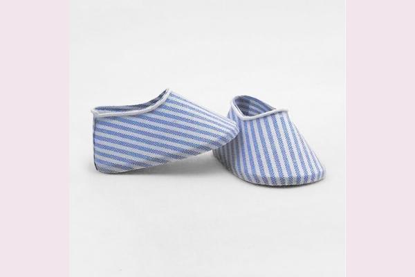 Μπομπονιέρα αγοράκι παπουτσάκια