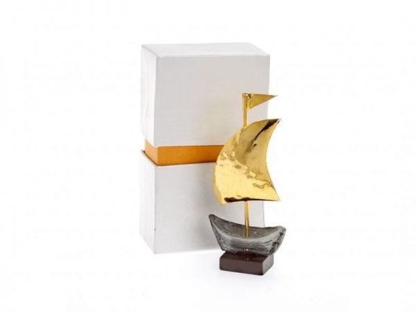 μπομπονιέρα Χρυσό καράβι κασσίτερος σε ξύλ.βάση (10Χ5εκ)