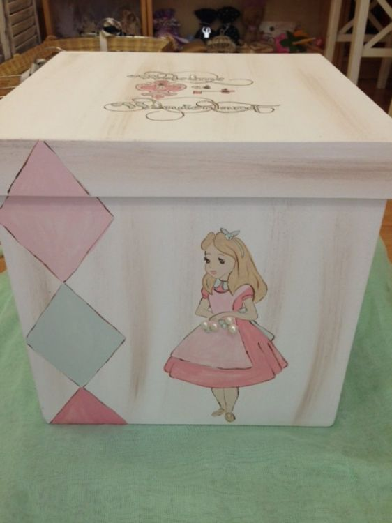 Αλίκη ...σετ χειροποίητο κουτί με ζωγραφική