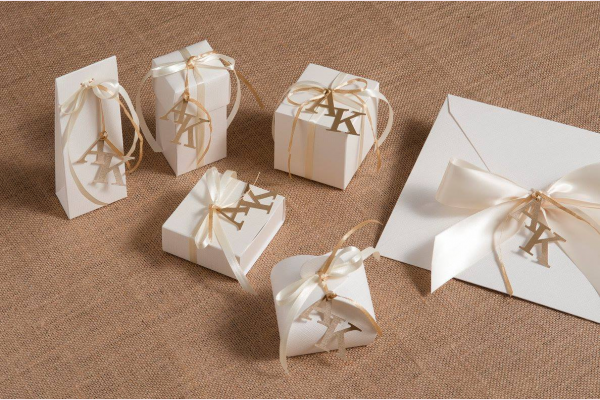 Μπομπονιέρες και προσκλητήρια γάμου
