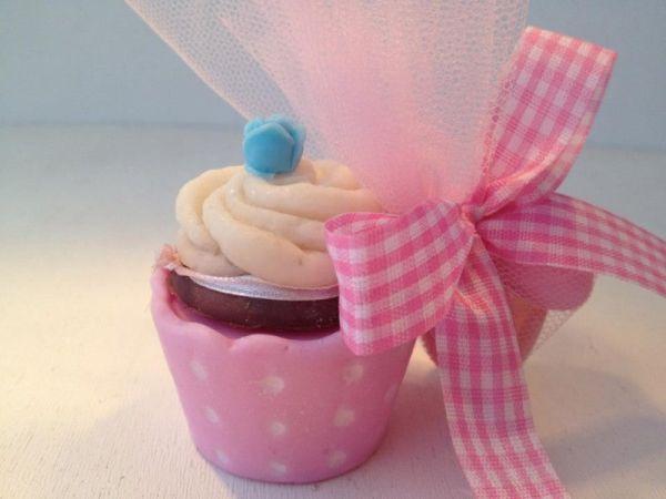 μπομπονιέρα cup cake σαπουνάκι για να ξετρελαθούν μικροί και μεγάλοι